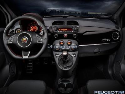 [Peugeot-Club.net] - 2012-03-07-09-20-57-2012-Fiat-500-Abarth-Interior.jpg